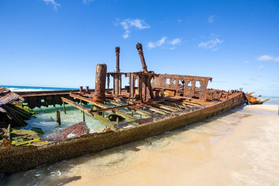 Maheno_shipwreck_at_Fraser_Island_Australia